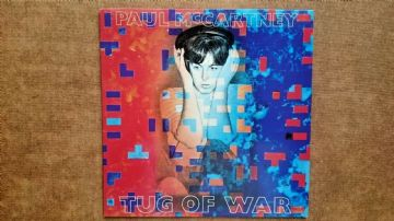 Paul McCartney: Tug of War Vinyl Record LP (1982)